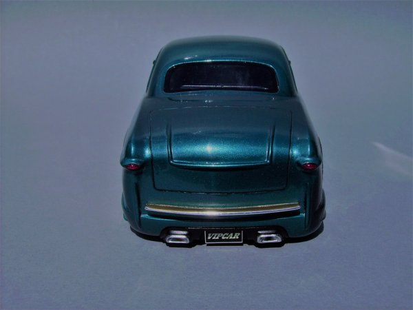 FORD 1949 COUPE - AMT - PIECE ASSEMBLEE 8