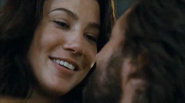 """"""" Je t'aime sans savoir m'arrêter de t'aimer, sans savoir ni comment ni pourquoi je t'aime ainsi, car je ne connais pas d'autres façon. Ou tu n'existe pas, je n'existe pas non plus . """""""