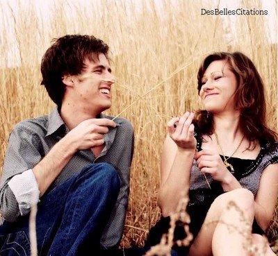 """""""Le  vrai amour , c'est quelqu'un qui connait tous tes défauts mais qui continue à  t'aimer  ♥"""""""