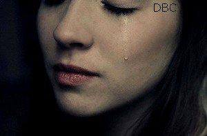 """""""Si je pleure, c'est parce que je m'en veux de t'avoir donné mon coeur alors que tu ne m'aimais pas."""""""