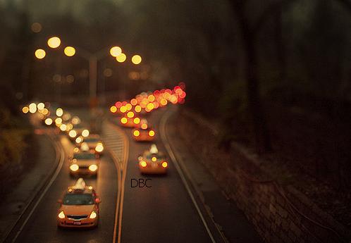 """""""Si la route est meurtrière, la vitesse est son flingue."""" Jamel Mektoub - Le roi est mort ce soir."""