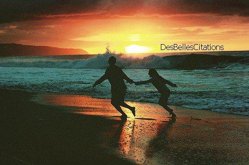 """""""Le hasard, c'est ce qui détermine les grandes histoires d'amour."""" L'amour, c'est mieux à deux."""