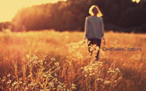 """""""J'pense qu'il y a des gens qui ont trop peur pour croire que les choses peuvent changer, et moi j'pense que le monde est pas tout à fait dégueulasse. Mais ça doit être dur pour certains qui sont habitués aux choses comme elles sont même si elles sont moches. D'essayer de les changer alors ils abandonnent et alors là tout le monde perd quelque chose..."""" Un monde meilleur."""