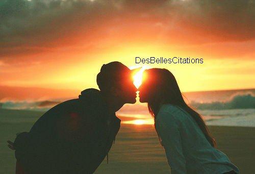 """""""Ne faire qu'un à partir de deux, voilà l'amour qui réunit deux êtres incomplets en un humain accompli."""" Romain Guilleaumes."""