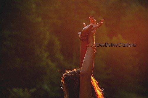 """""""You can never fix all the world's problems at once but anything you do is better than nothing."""" Olivia Wilde.Vous ne pouvez jamais résoudre tous les problèmes du monde à la fois, mais ce que vous faites est mieux que rien."""