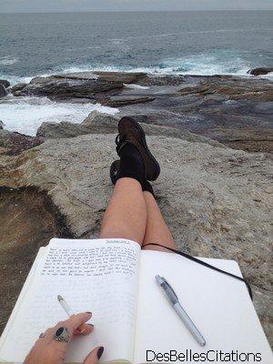 """""""Laisse moi mon stylo, y'a pas moyen que je m'arrête ; j'ai une envie d'écrire comme t'as une envie de cigarette."""" Grand corps malade"""