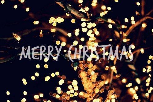 « Celui qui n'a pas Noël dans le coeur ne le trouvera jamais au pied d'un arbre. » - Roy Lemon Smith. -