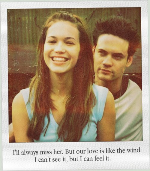 """"""" Vouloir oublier quelqu'un, c'est y penser tout le temps. """" Katherine Pancol"""