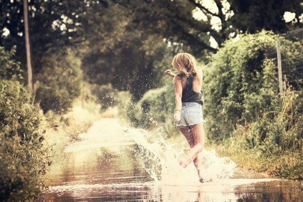 La bonne musique ne se trompe pas, et va droit au fond de l'âme chercher le chagrin qui nous dévore.  - Stendhal