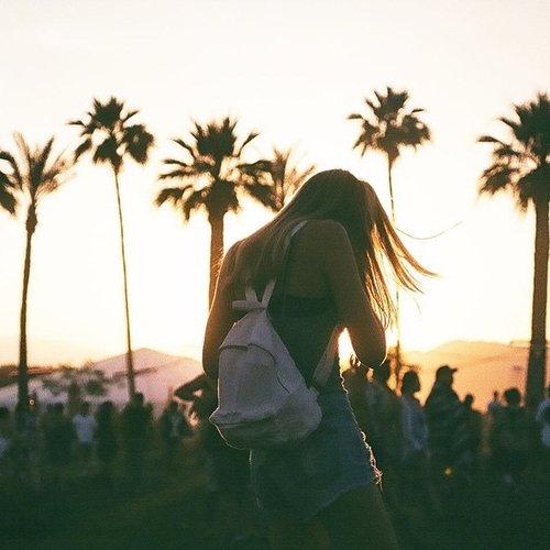"""""""Tu prétends ne plus aimer lorsque tout va de travers. Tu oublies juste que sans lui tu te perds."""" -  Laura Prodhon"""