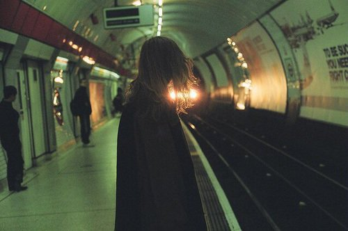 """""""Après ça, elle n'avait plus vécu. Elle avait juste fait semblant."""" -  Guillaume Musso"""