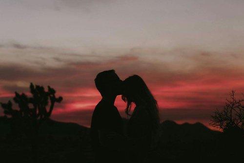 """""""Elle comprit tout à coup que l'amour était l'instant où le c½ur est sur le point d'éclater."""" - Stieg Larsson"""