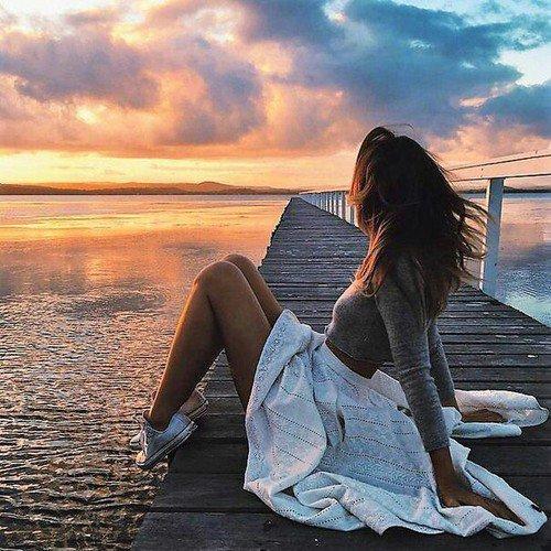 """""""Bien sûr on a des chagrins d'amour, mais on a surtout des chagrins de soi-même. ............................................................................. Finalement la vie n'est qu'une affaire de solitude."""" - Françoise Sagan. -"""
