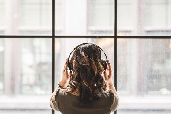 """""""Il y a deux moyens d'oublier les tracas de la vie : la musique et les chats."""" - Albert Schweitzer"""