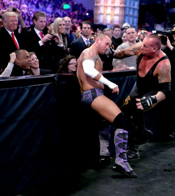 ♥ WrestleMania 29: The Undertaker bat CM Punk ♥