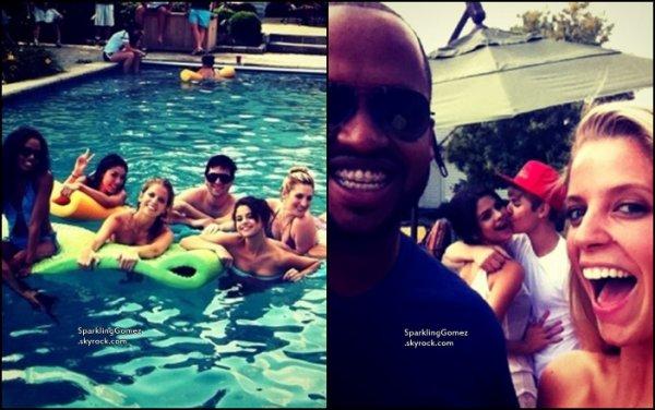 19.08.11 : Selena a posté de nouvelles photos d'Instagram.                                osté de nouvelles photos provenant de son compte