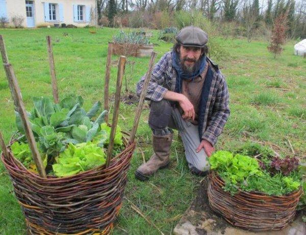 Communes Loches Indre-et-Loire - Chédigny, - Livre Xavier Mathias raconte des salades, toutes les salades