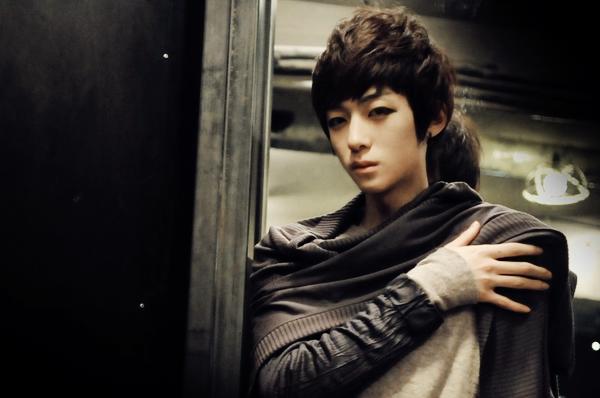Kang Hyeok Min.   Catégorie : UHLJJANG...... Images n° : 88...... Age : 21 YO. Taille : 177 CM. Poids : 52 KG. Plus :  IL EST AUSSI MANNEQUIN.