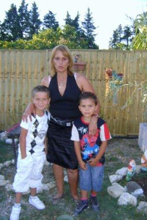 Moi et ma tante et mes petits cousins et ma petite cousine