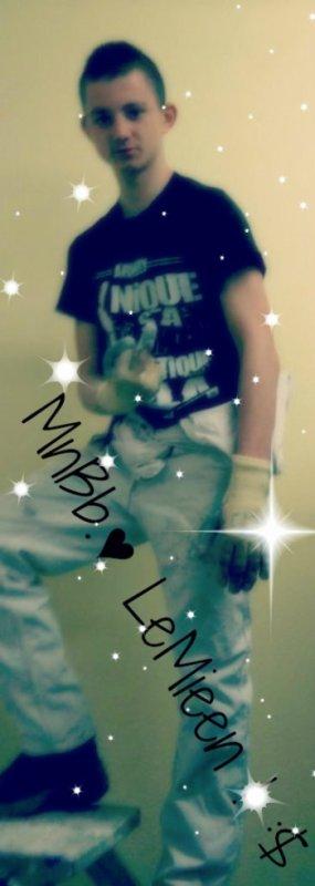 -MnDoudou♥ Le Mien.♥ :$ ( ♥BRƋAND0N&MÊËLƋANiE♥ )