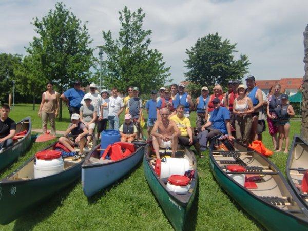 SORTIE en CANOES  le 2 juin avec 35 membres
