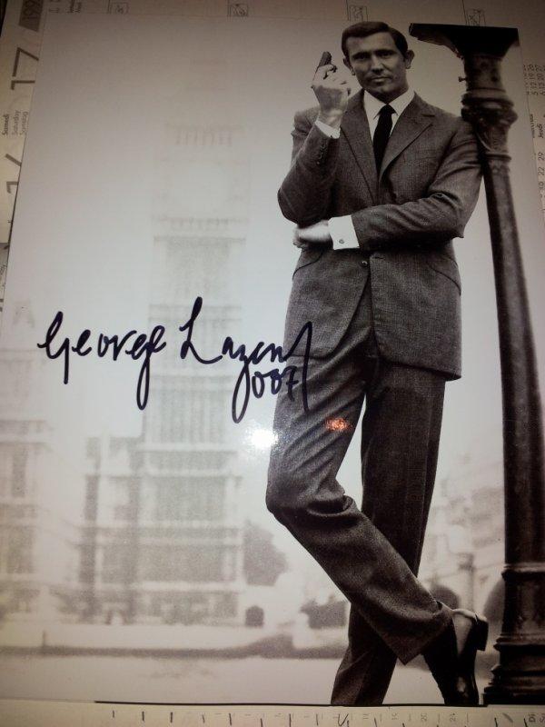 George Lazenby (Au service secret de Sa Majesté)