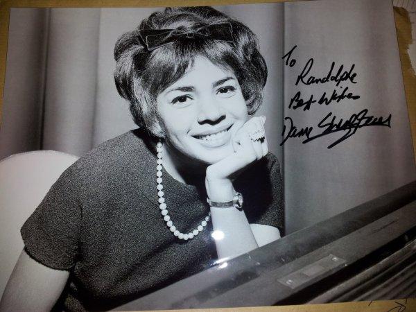 Shirley Bassey chanteuse (goldfinger)
