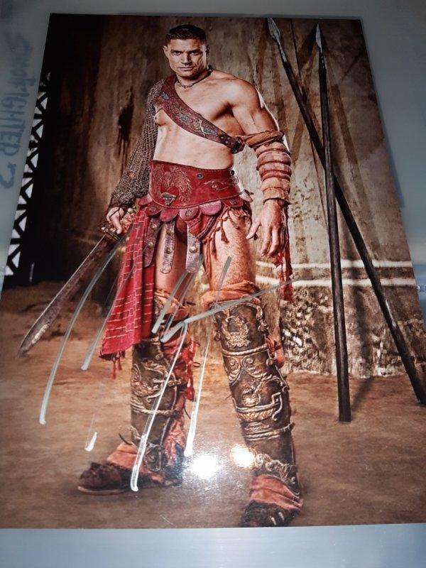 Manu Bennett (Spartacus, Arrow, Le Hobbit)