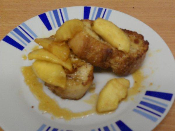pain perdu et ses pommes caramélisées