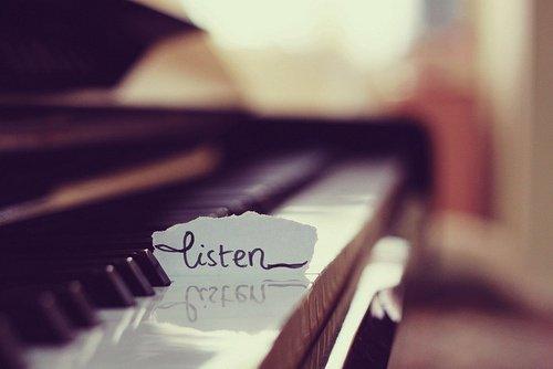 """Chapitre 6: """"Listen..."""""""