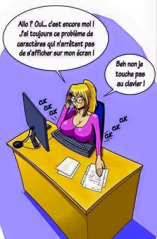 Secretaire blonde.