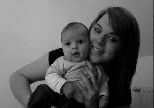 Tom, Mon pti Homme, mon bébé il est ma vie ti toush jte Nique ! ;) <3