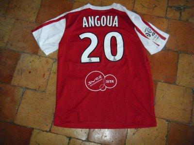 Maillot porté Valenciennes d'Angoua qui joue encore à Valenciennes.