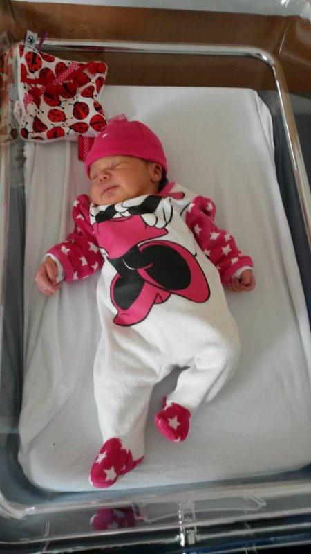 Je suis papy depuis le 1er octobre...... je suis heureux de vous présenter ma petite fille Manon