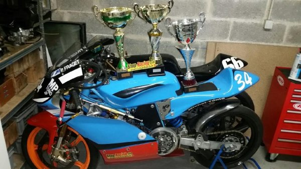 MP RACING Troiseme Titre