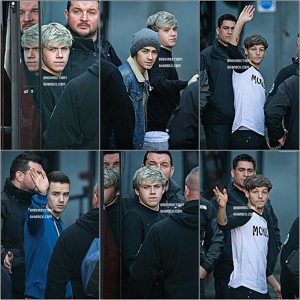 . 26.02.13 : Les garçons ont étaient pris en photo à Glasgow en Ecosse. .