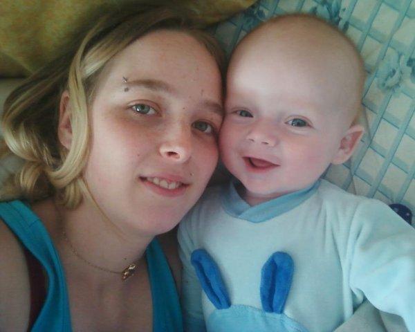 ma fille isabelle et mon ptit fils joris