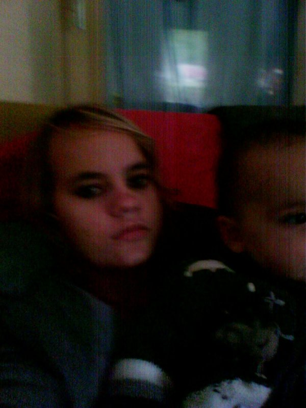 moi et mon petit frere <3