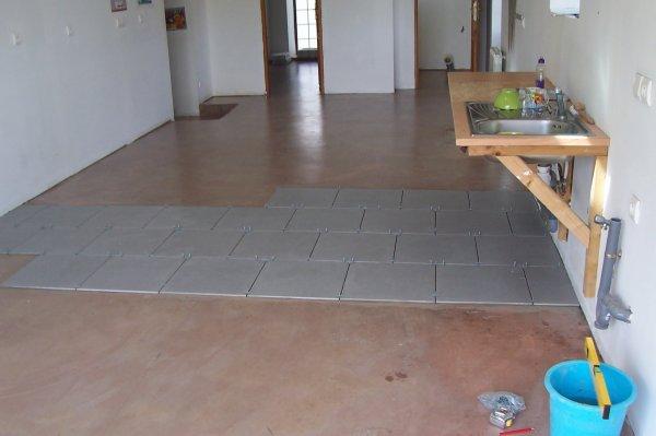 Debut de chantier pose de carrelage blog de sde travaux for Carrelage 45x45 ou 60x60