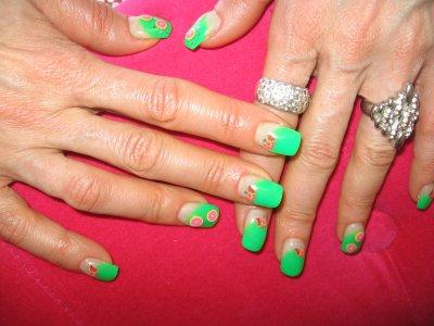 ongles en gel vert fluo