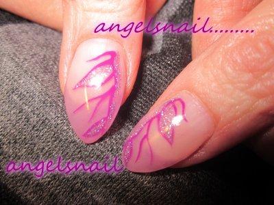 pose gel mauve translucide plus deco gel violet et pailletté lilas ; )