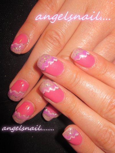 pose gel couleur rose et deco peinture mauve ,blanc et pailletté argenter ; )