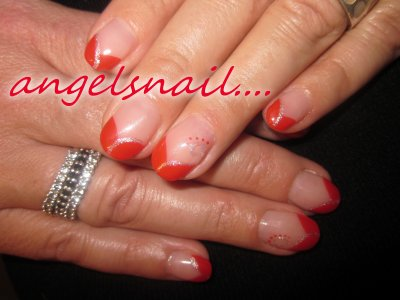 pose gel couleur rouge plus deco gel argenter : )