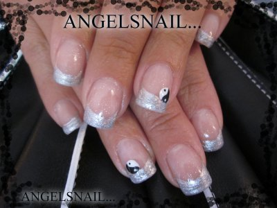 pose gel ,deco acrylique ying yang : )