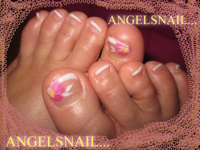 french pedicure et deco acrylique