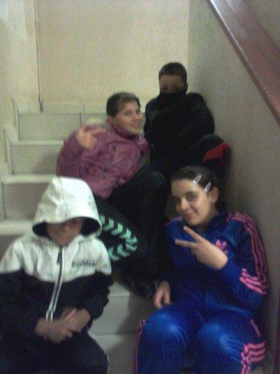#****.... Juliiie,Maeva,Tarik et Kevin ....****#