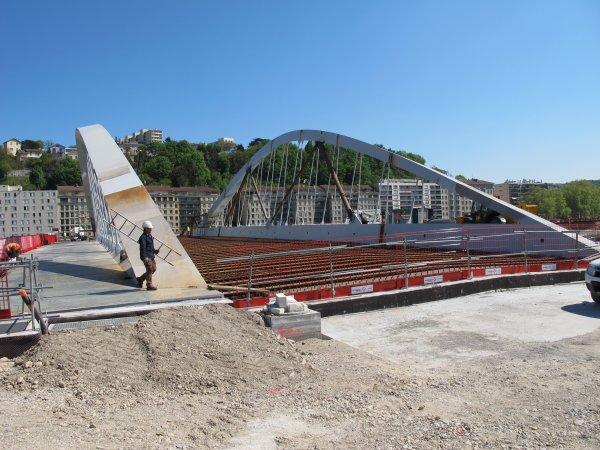 A2232 Le Pont Robert Schuman Entre Vaise Et Croix Rousse A