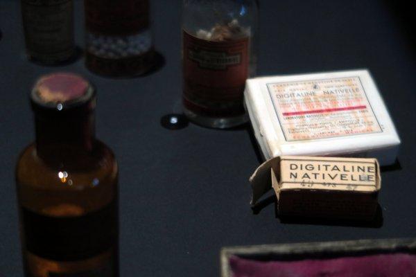 A2051 : Tout savoir sur les poisons sans y toucher !