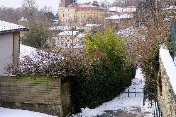 A2095 : Un peu de neige sur les monts d'Or, près de Lyon