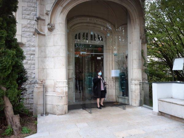 A2266 : Visite dans le parc du Vivier à Ecully (Rhône)
